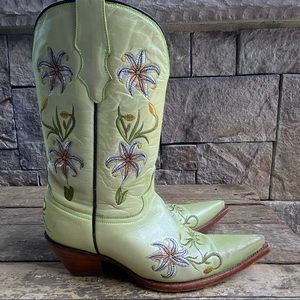 CORRAL Green Leather Embroidered Cowboy Boots